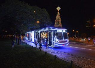 Onibus iluminado. Foto: Divulgação